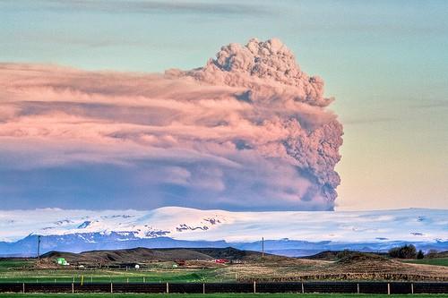 Eyjafjallajökull ash plume