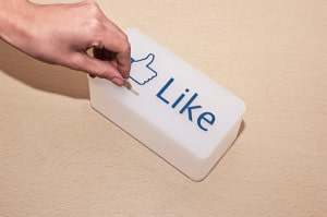 facebook like tip box 2 300x199 Facebook EdgeRank Research: Comments 4x More Valuable Than Likes.
