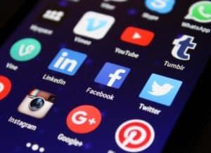 media-social-media-apps-social-network-facebook