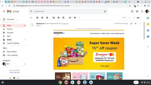 Amazon incorporates their brand colors into emails
